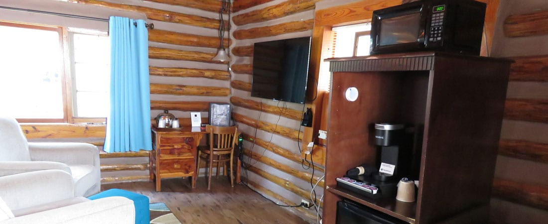 Cabin 5 sitting area