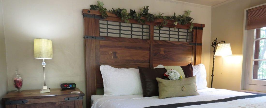 Log Suite Bed