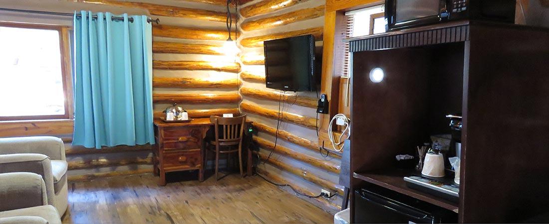 Cabin 5 TV fridge, micro